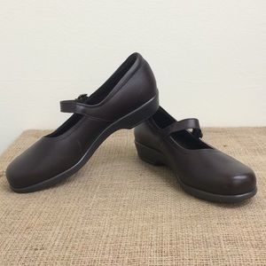 SAS Brown Leather Mary Janes Size 8.5
